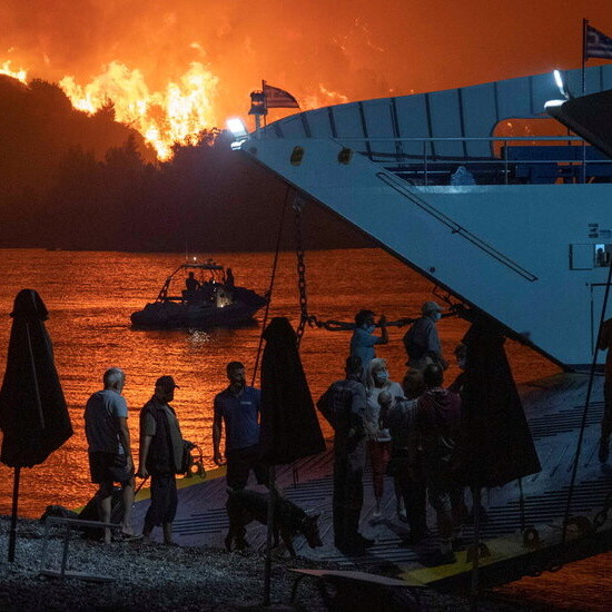 Greek Fires Force Thousands More to Evacuate