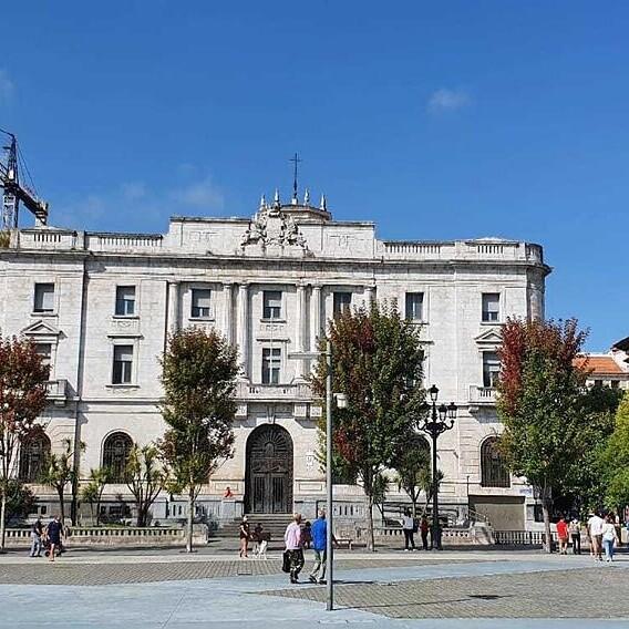 Así será el Reina Sofía de Santander: serio por fuera, libre por dentro
