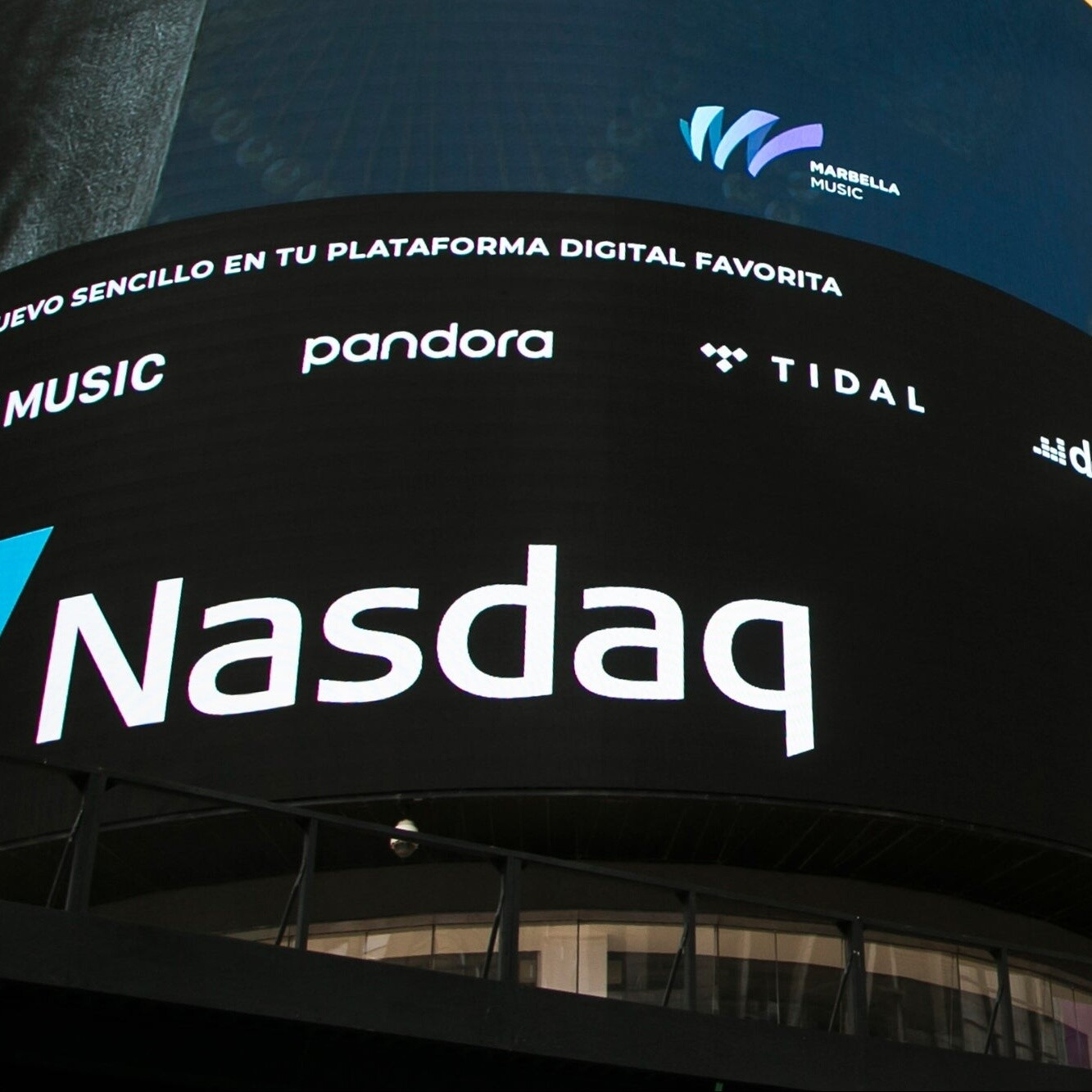 S&P, NASDAQ Begin Week with Another Session of Record Highs