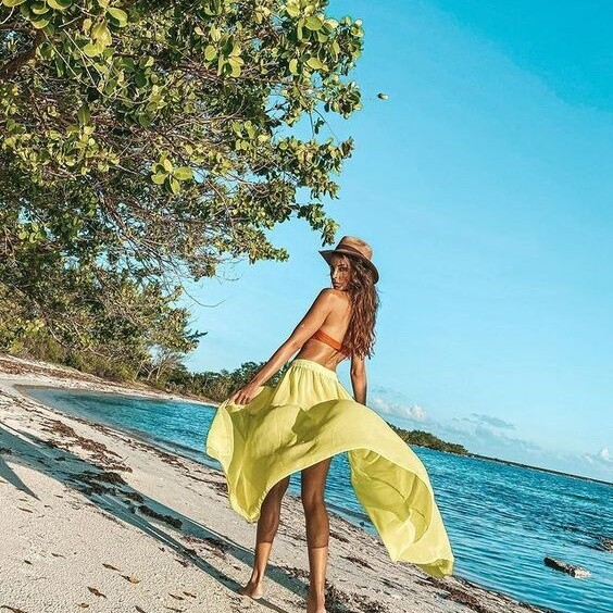 VRGyani News: Latin Beauty Sabrina Calvo Shares Hot Bikini Pictures from Her Travel Vacation
