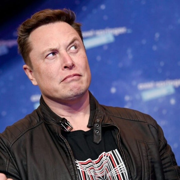 SpaceX's CFO reportedly said the company makes 5,000 Starlink dishes a week, lagging behind preorders