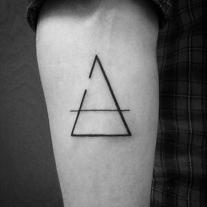 Delta imcompleto... tatto minimalista☺☺🔺