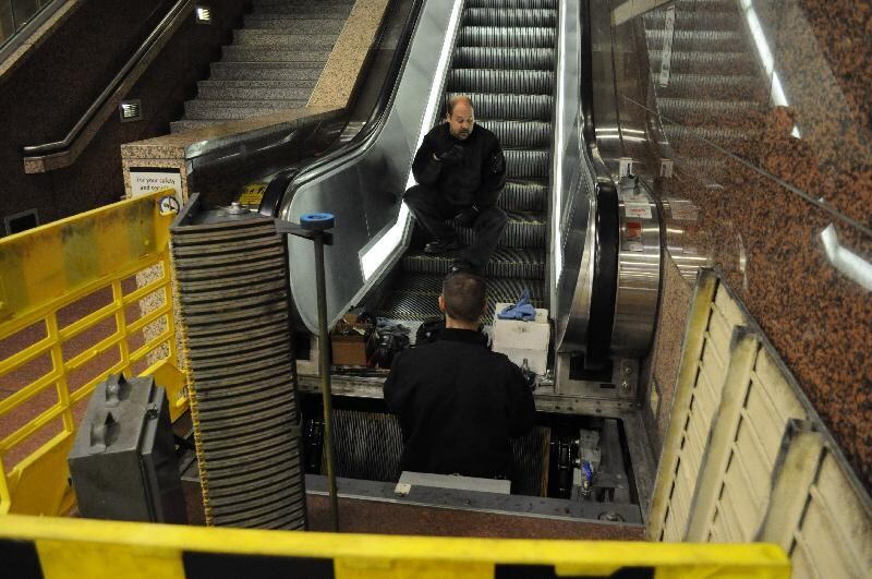 Some Tips To Be Comfortable When The Escalator Repairing Project Not Completed