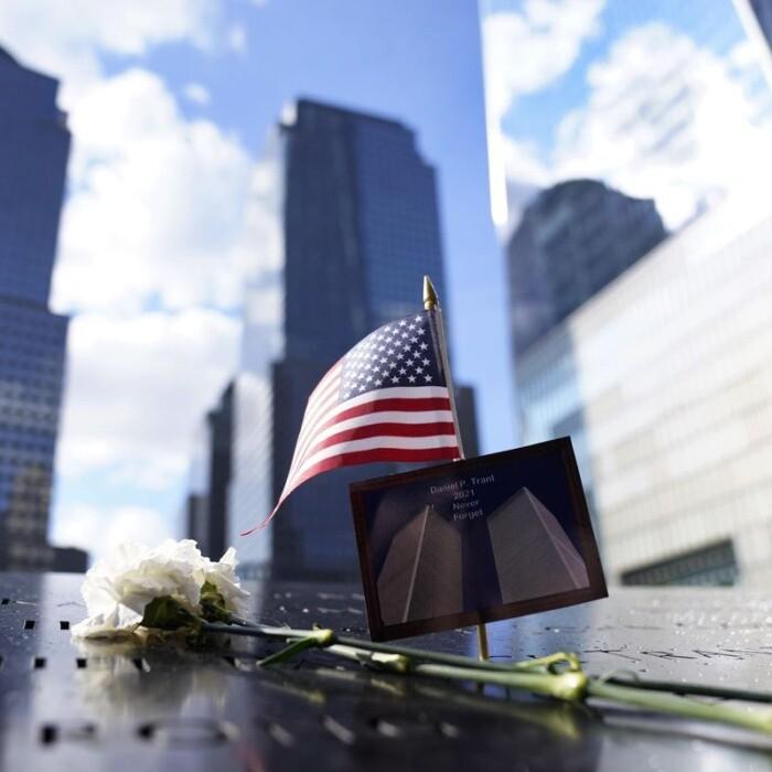 El protagonismo de las familias y el recuerdo de las víctimas presiden los actos del vigésimo aniversario del 11-S