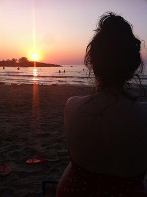 Al momento que el sol se oculte 🌄 con él se van mis penas🌻. Cuando vuelva a salir, yo renaceré con él 🌅 🌻☢