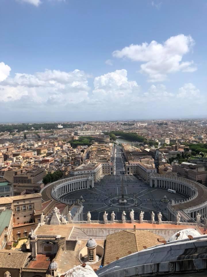 Una Foto tomada de mi hermano Jesus Herrera en la visita de la ciudad santa de Roma.