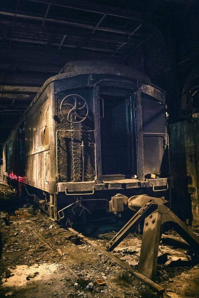 Abandoned Track 61 beneath the Waldorf Astoria hotel in NYC.